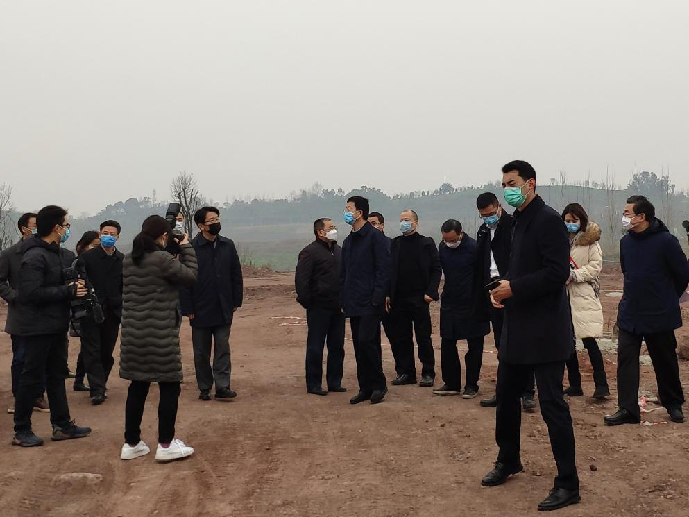 两江新区管委会网站_市委常委段成刚视察两江建设公司承建的 礼嘉智慧公园项目